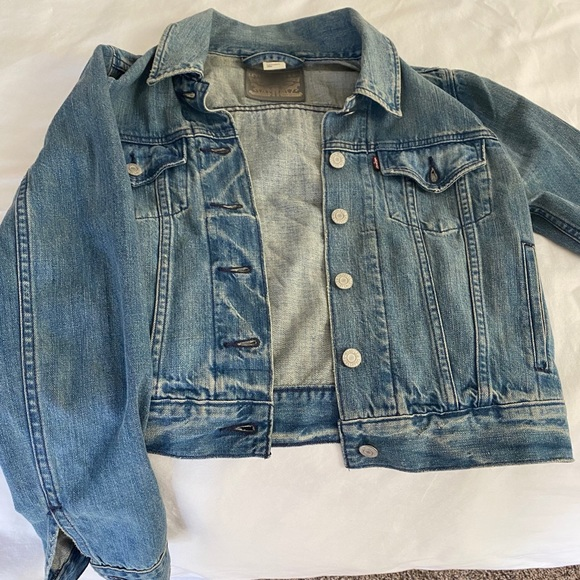 Levi's Jackets & Blazers - Levi's Jean jacket size small